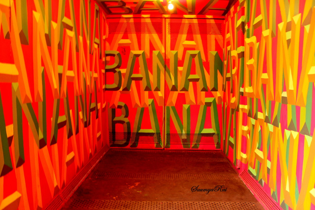 Delhi based Sign Painter - Painter shabbu, painted a container that was originally used for transporting Bananas all across India!